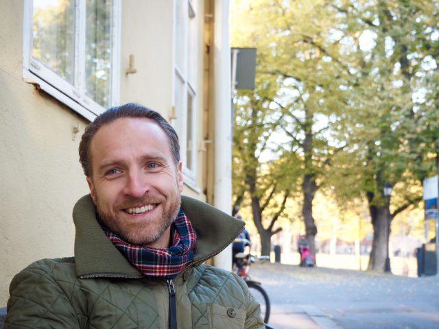 Jussi Kannaste tuo Sibis Jazz -kokoonpanon Turkuun Café Tiljaniin. Kuva: Tommy Lindgren