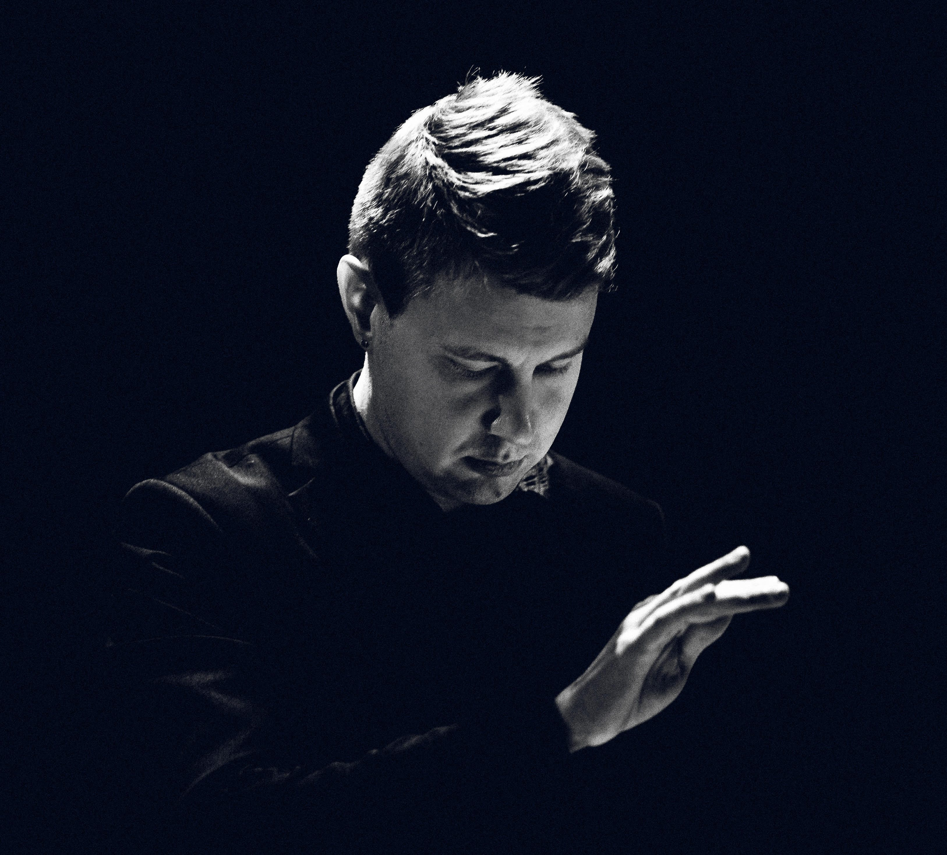 Ville Vannemaa saapuuvierailevaksi kapellimestariksi TJO:n vuoden avaavaan konserttiin 30.1. Logomon MOVE-saliin. Kuva: Teemu Mattsson