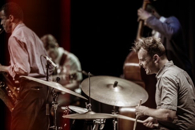 Jochen Rueckert Quartet avaa Flame Jazzin kevätkauden. Kuva: Thomas Krueselmann.